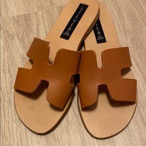 Steve Madden Greece Sandal in Cognac - Size 7